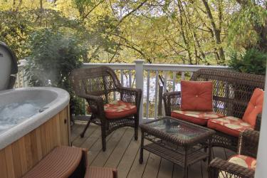 Renoir room deck and private hot tub