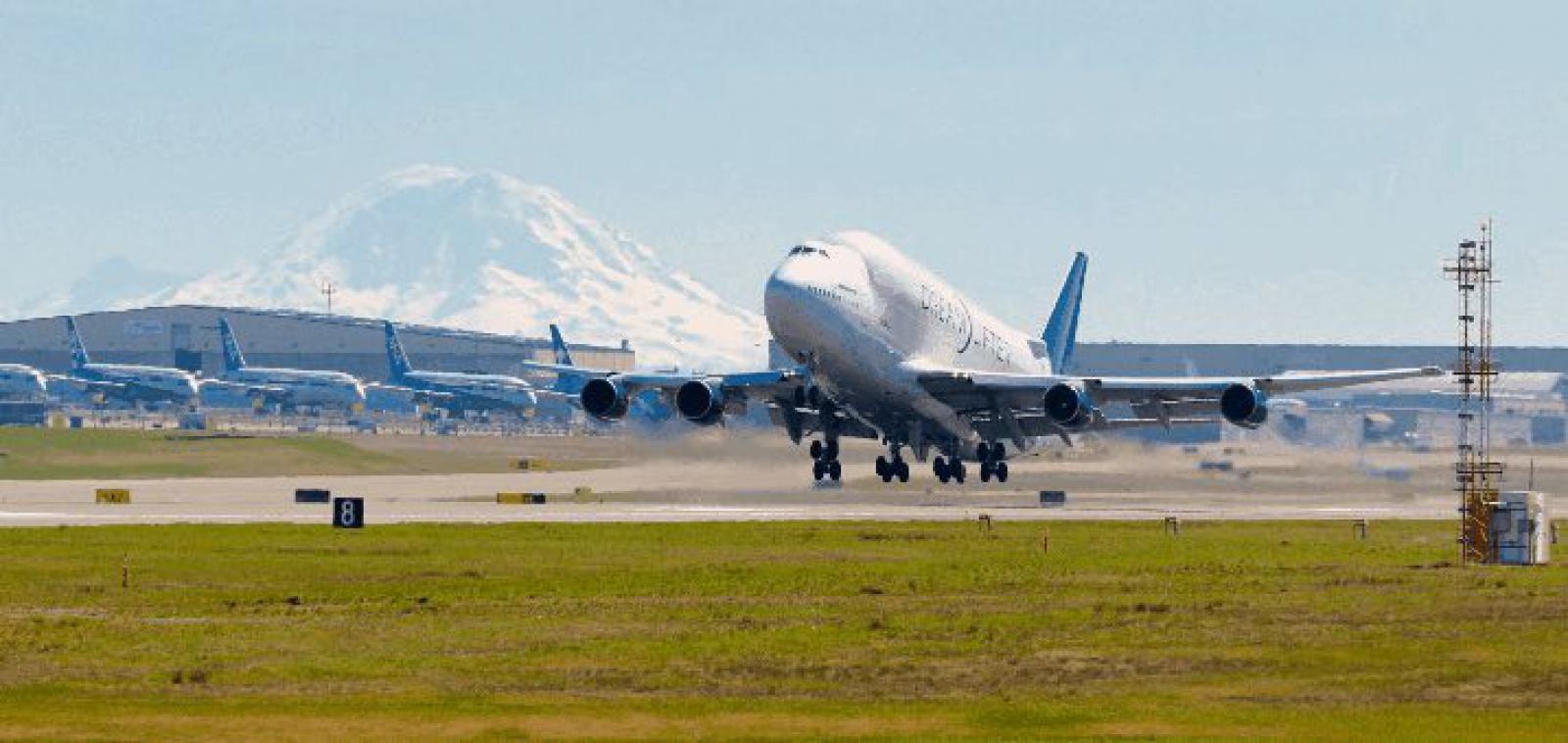 Boeing Dreamliner Transport